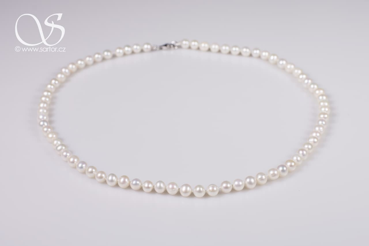 Necklace, Small Round Pearls