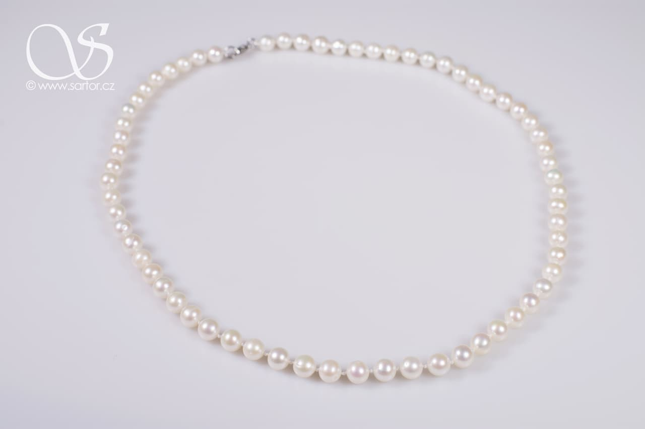Longer Necklace, Medium Round Pearls