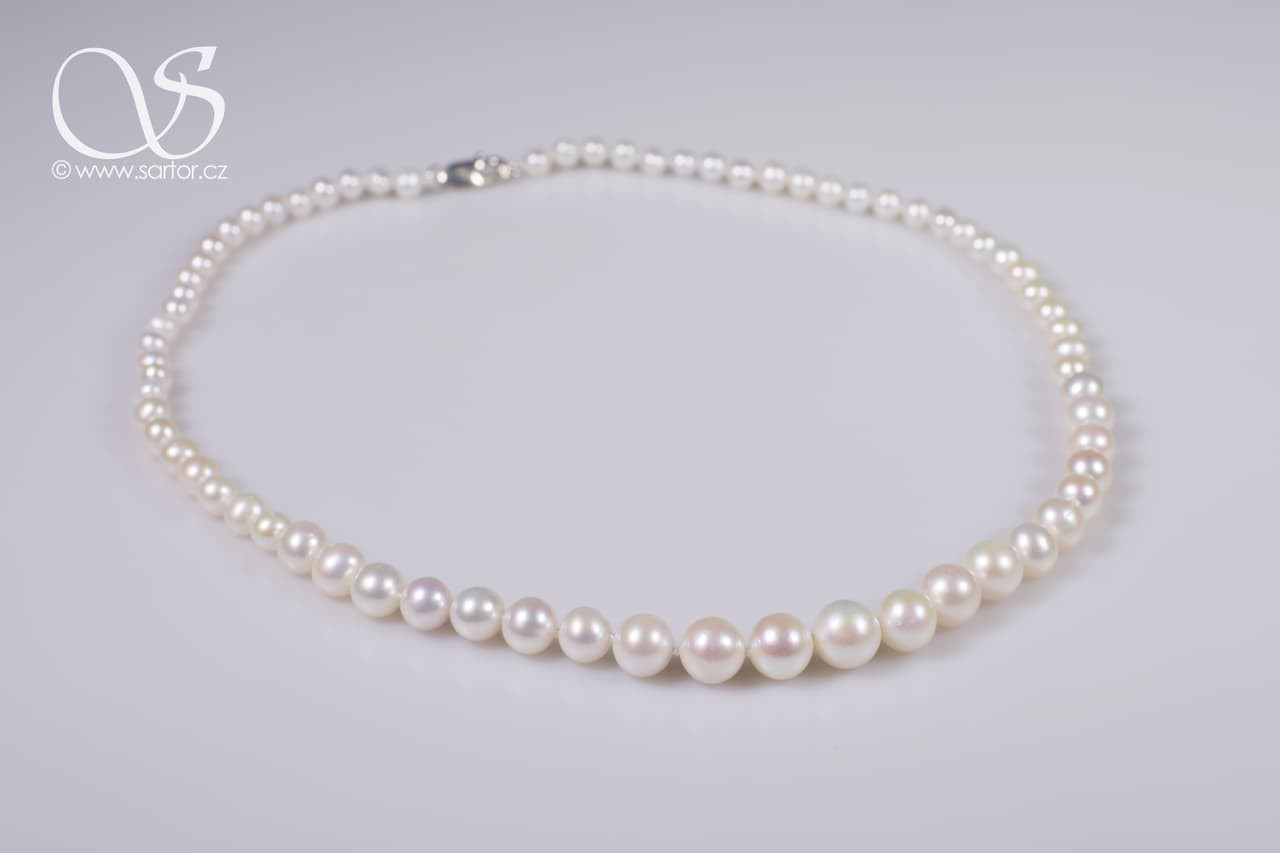 Necklace, Graduated Round Pearls