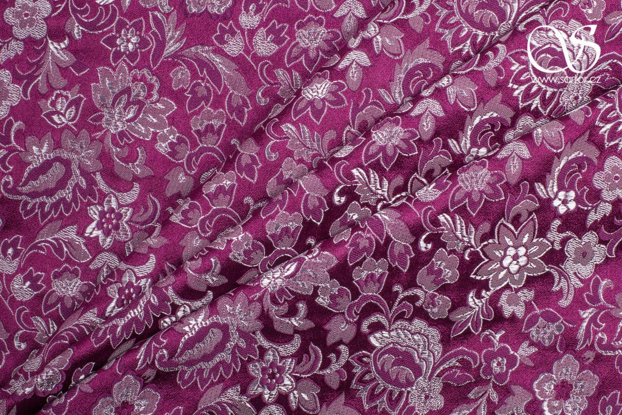 Brocade Tradition, Wine Red and White